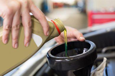 3. Öl und Batterie